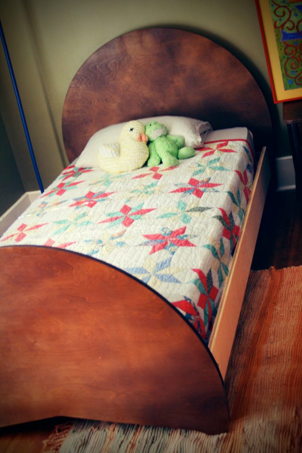 Aero Twin Bed in Coco