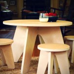 Aero Table and Stools set in natural